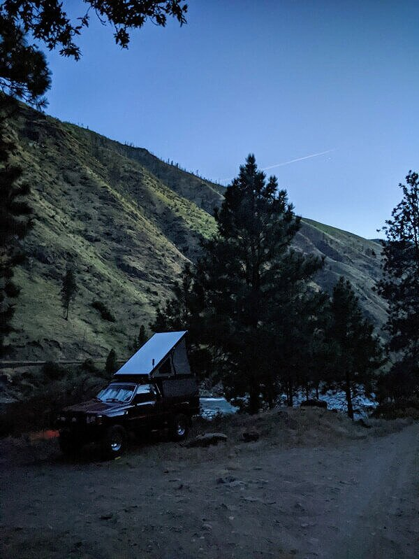Free camping near Riggins, Idaho on the Salmon River.